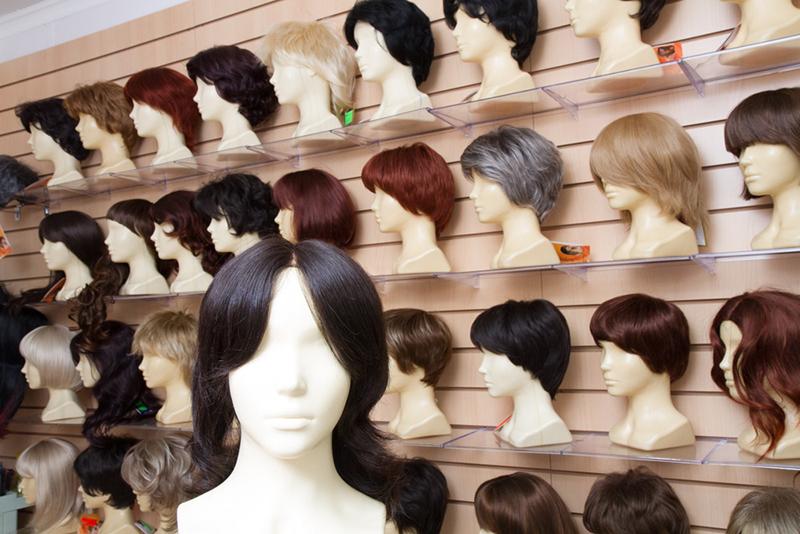 искусственный парик средней длины