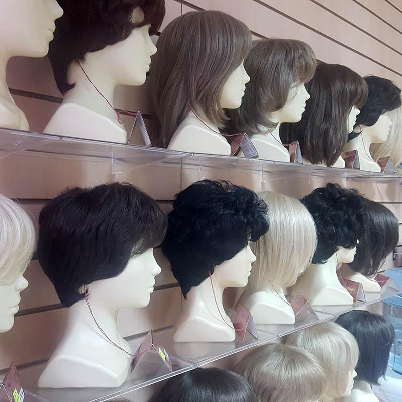 парик средней длины из натуральных волос